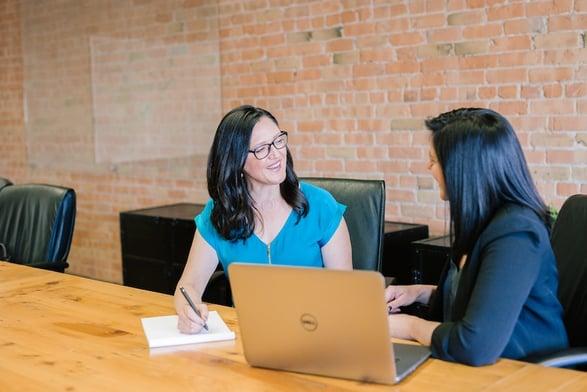 Desarrollo de aplicaciones para mejorar la comunicación con clientes