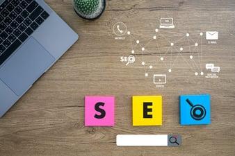 ¿Cómo debo orientar el contenido para el SEO de mi web?