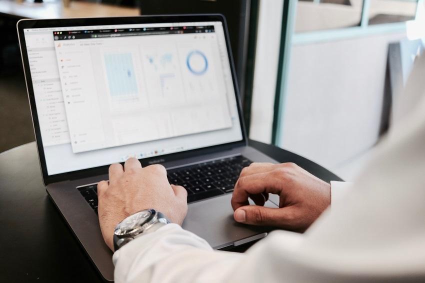 ¿Cómo puedes convertir tu negocio online en un líder del sector